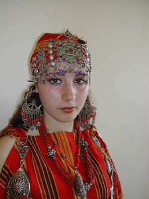 Le parfum de la beaute robes kabyles 2016 tax credits for Vente robe chaoui